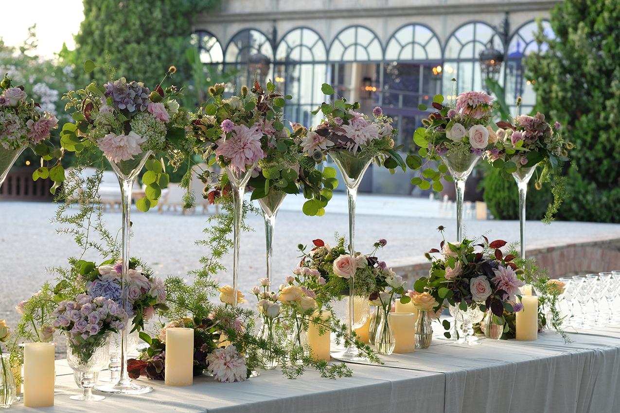 Flores y velas para bodas